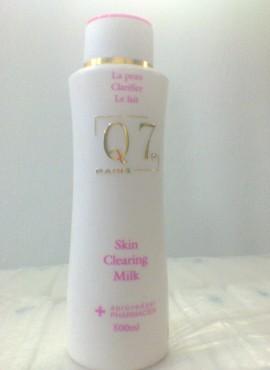 Q7 SKIN CLEARING MILK